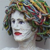 <p><strong>Medusa</strong>  Lindenholz, Assemblage, H&ouml;he 150 cm 2005</p>